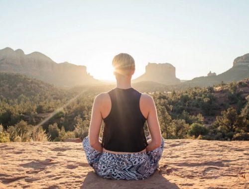 A reggeli jóga előnyei és befolyásoló hatásai