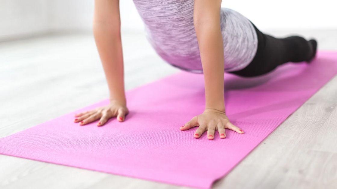 Milyen a megfelelő jóga matrac? Hogyan válassz?