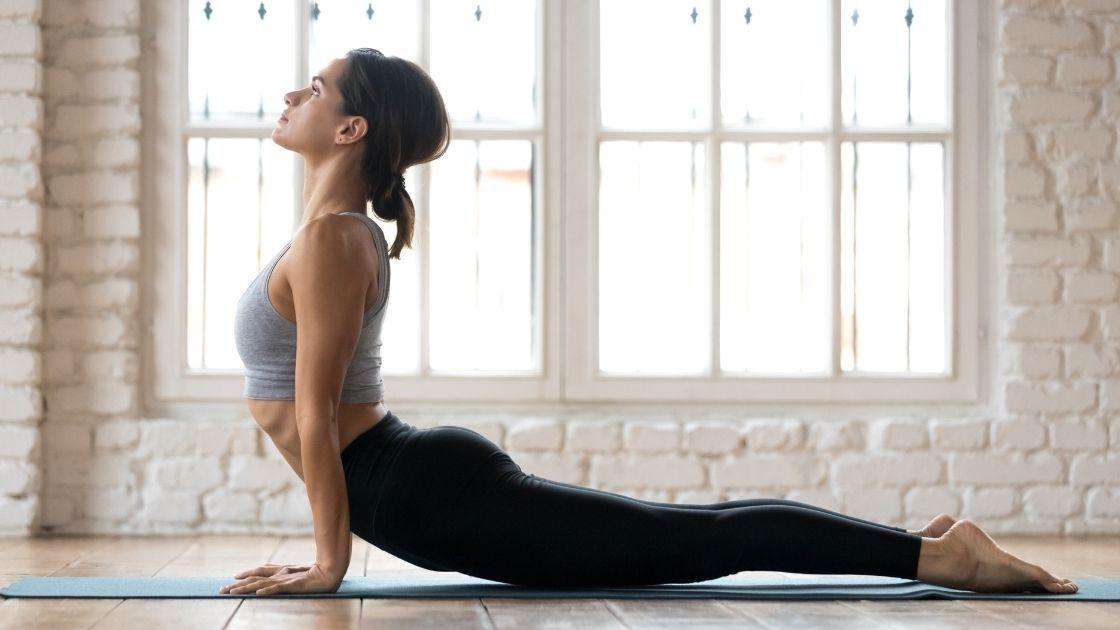 Egyszerű jóga gyakorlatok, nyújtani és erősíteni