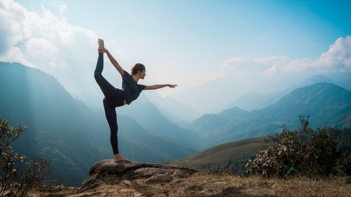 Jógaoktató képzés - Mit csinál pontosan egy jógaoktató?